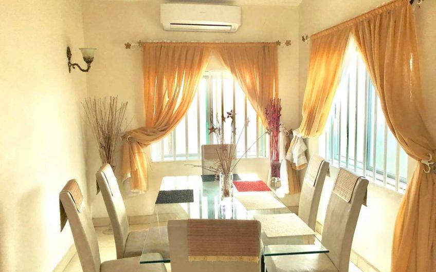 Villa personnelle avec jardin à louer à Cotonou, Fidjrossè