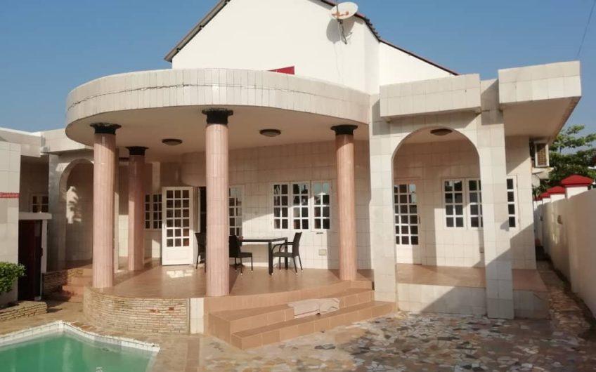 Belle villa à vendre à Fidjrossè