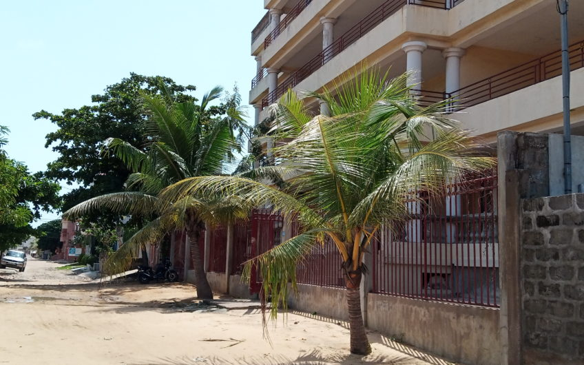 A vendre un immeuble de 05 étages à Fidjrossè