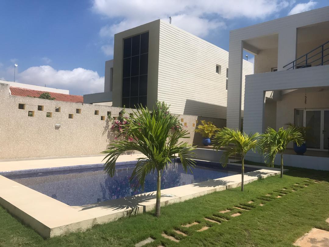 A louer splendide villa meublée de 5 pièces avec piscine à PLM Alédjo