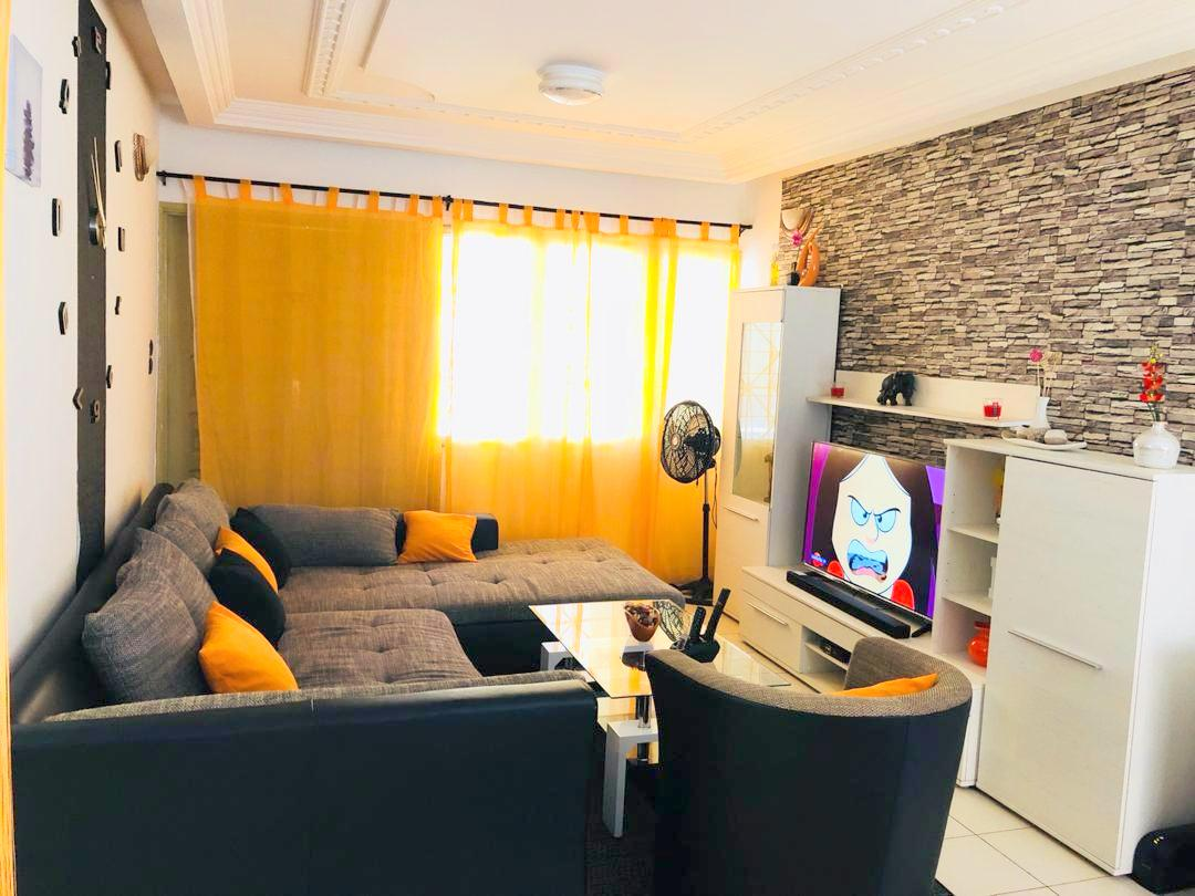 A louer un appartement meublé de 02 chambres avec son entrée personnelle à Fidjrossè