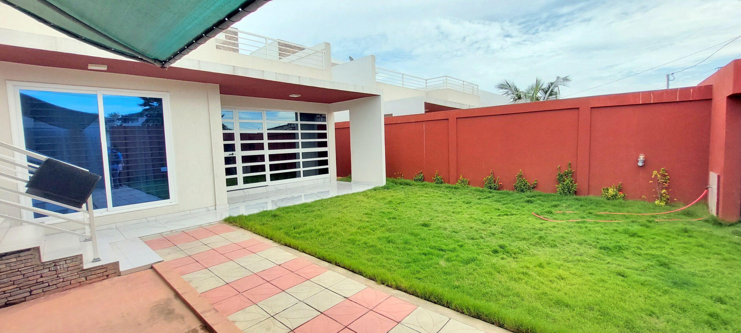 A vendre une villa de 5 pièces à l'étoile rouge Cotonou