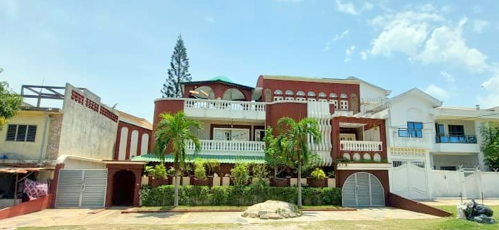 Villa à vendre dans la zone des ambassades-Akpakpa